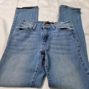 Levi's straight leg Jeans mid rise bold curve